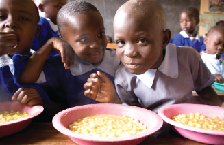 children in Kenya eating